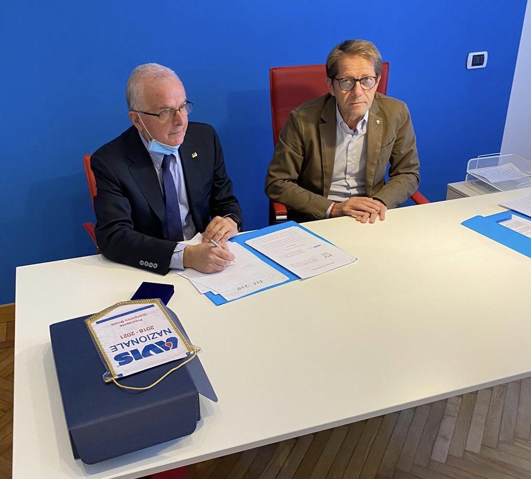 Da sinistra, il presidente di AIL Nazionale, Sergio Amadori, e il presidente di AVIS Nazionale, Gianpietro Briola